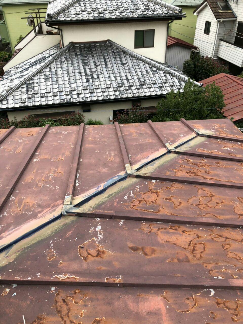 練馬区で屋根ガルバリウム鋼板重ね葺き工事!地震火災保険活用