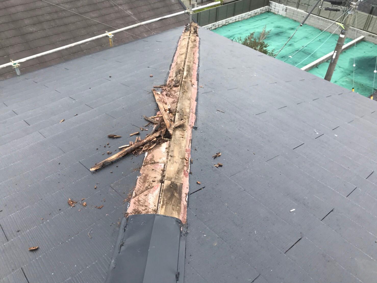 東京都世田谷区で屋根無料修理の修理中