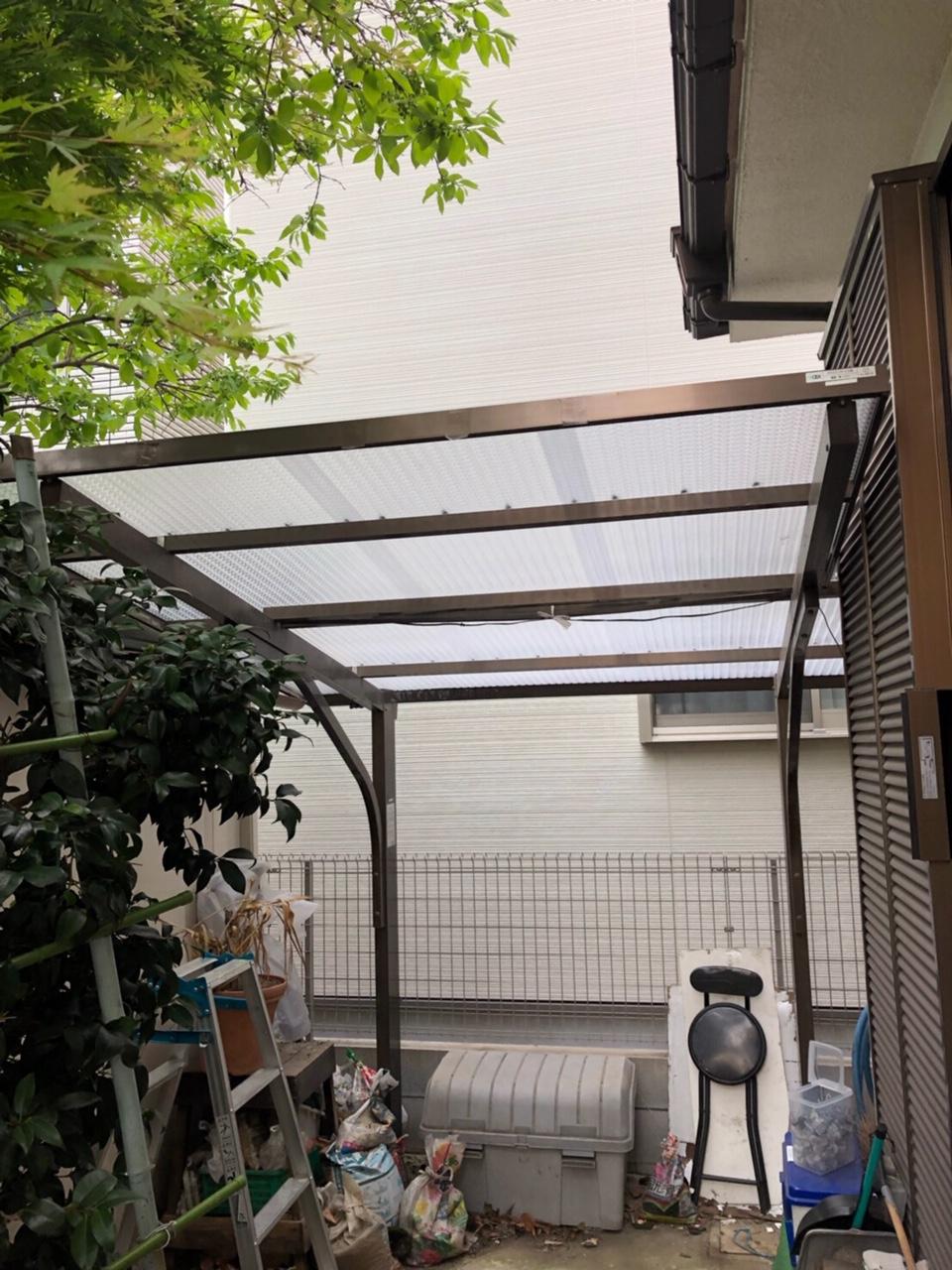 神奈川県川崎市で火災保険を申請し雨樋と波板を無料交換