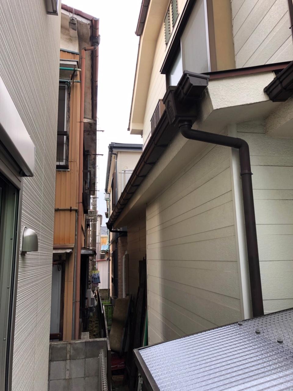 神奈川県川崎市で火災保険を申請し雨樋と波板を無料交換2