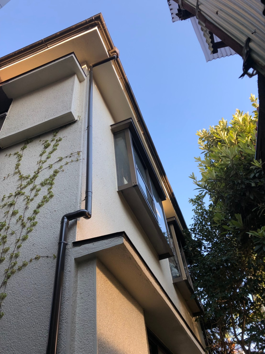 神奈川県横浜市で雨樋無料工事9