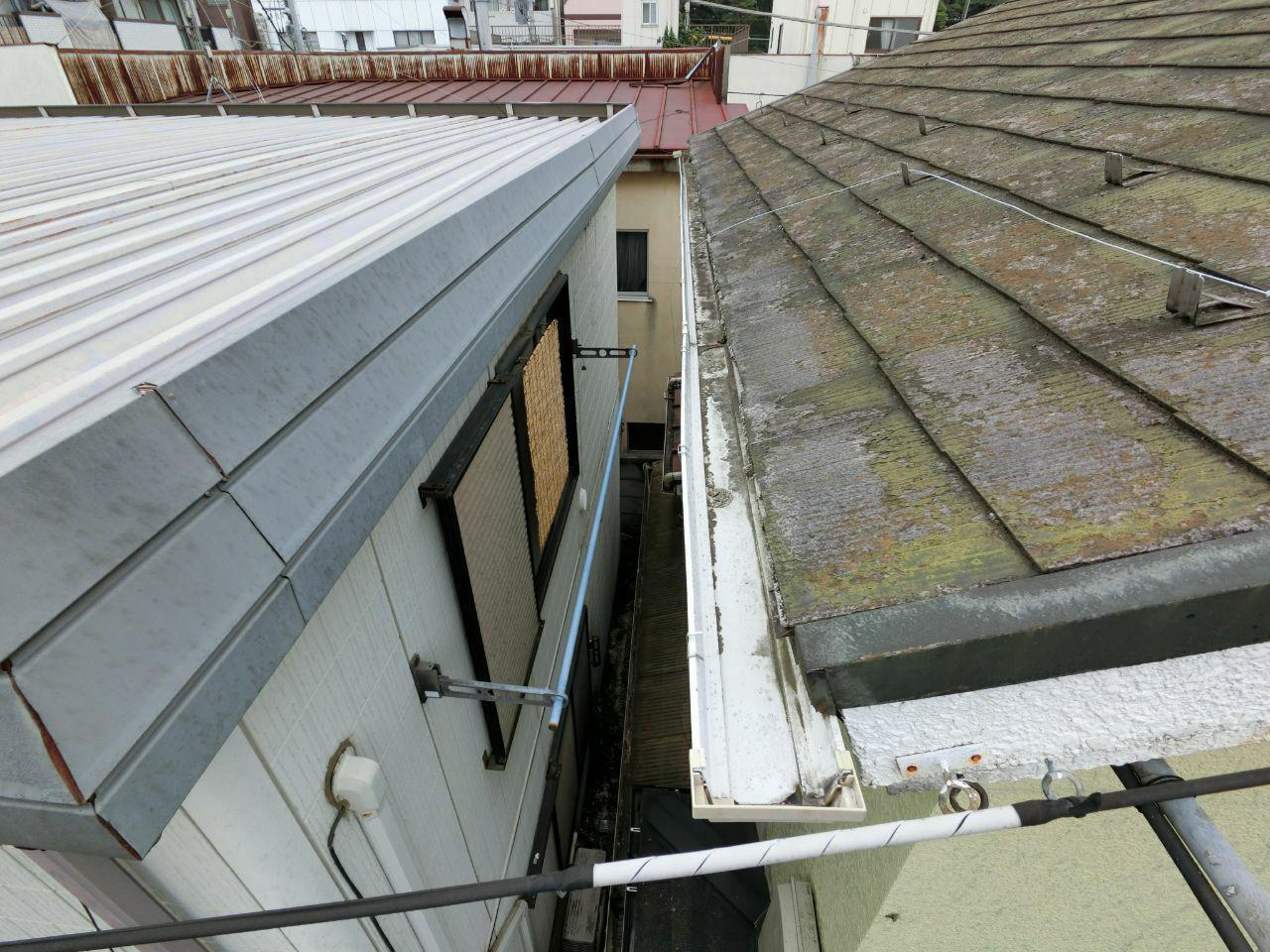 小平市で火災保険活用で雨どい工事と屋根塗装