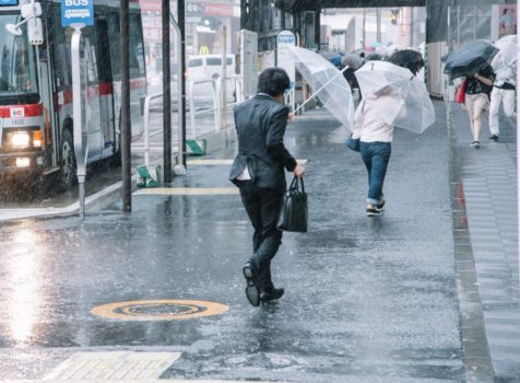 2019年9月9日台風15号「ファクサイ」が関東に直撃 火災保険で修理工事