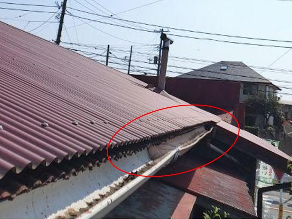 神奈川県伊勢原市で台風により損傷した波板と軒天を調査!