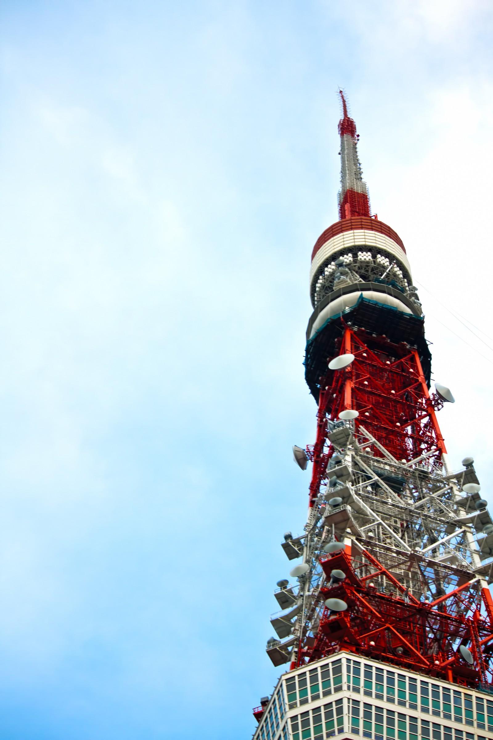 東京都多摩市で大雪による雨どい湾曲!保険を使って無料でお直し!