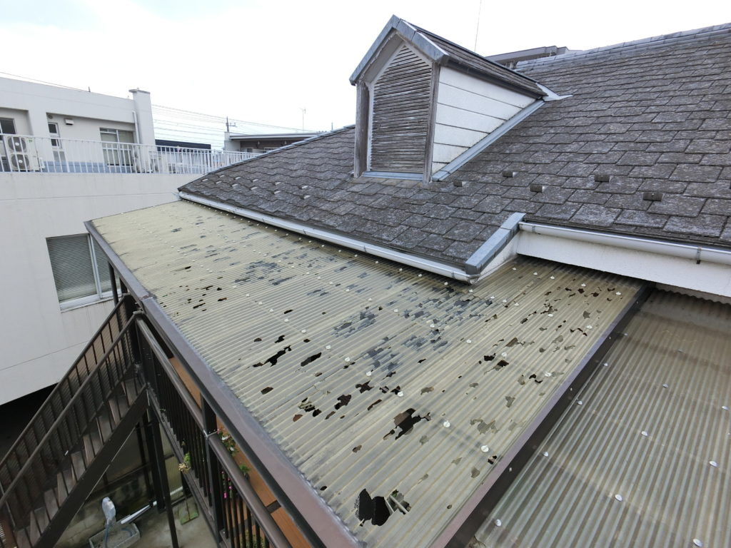 狭山市で雹被害 波板と雨樋交換修理工事