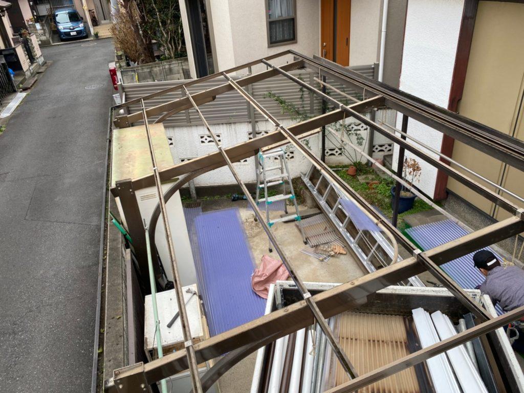 東京都東久留米市でカーポート波板修理交換工事