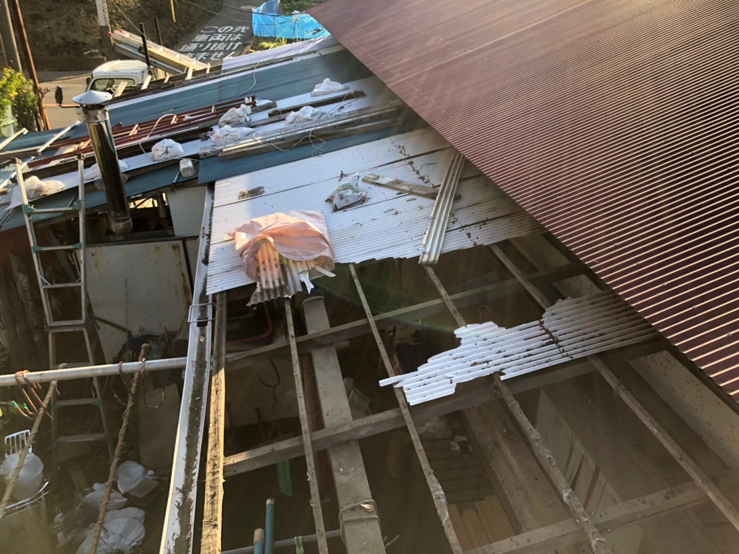 【施工完了報告!】台風により破損!東京都江戸川区にて波板交換工事を行いました。