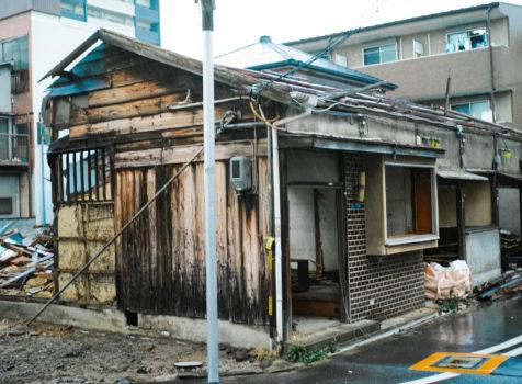 【施工完了報告!】東京都江戸川区にて雨どい交換工事&屋根瓦一時補修!