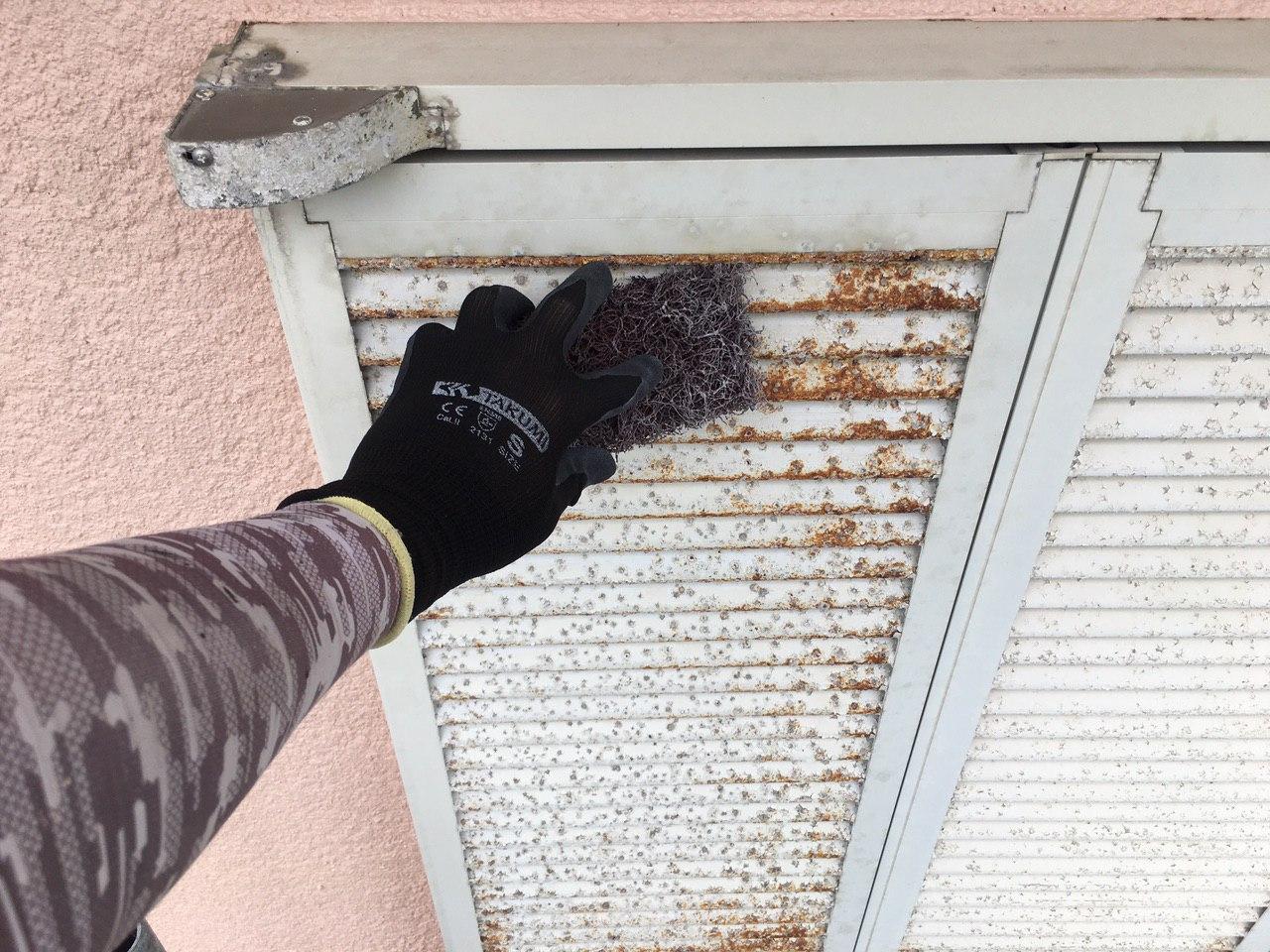 東京都板橋区にて窓シャッターの塗装工事を完工!