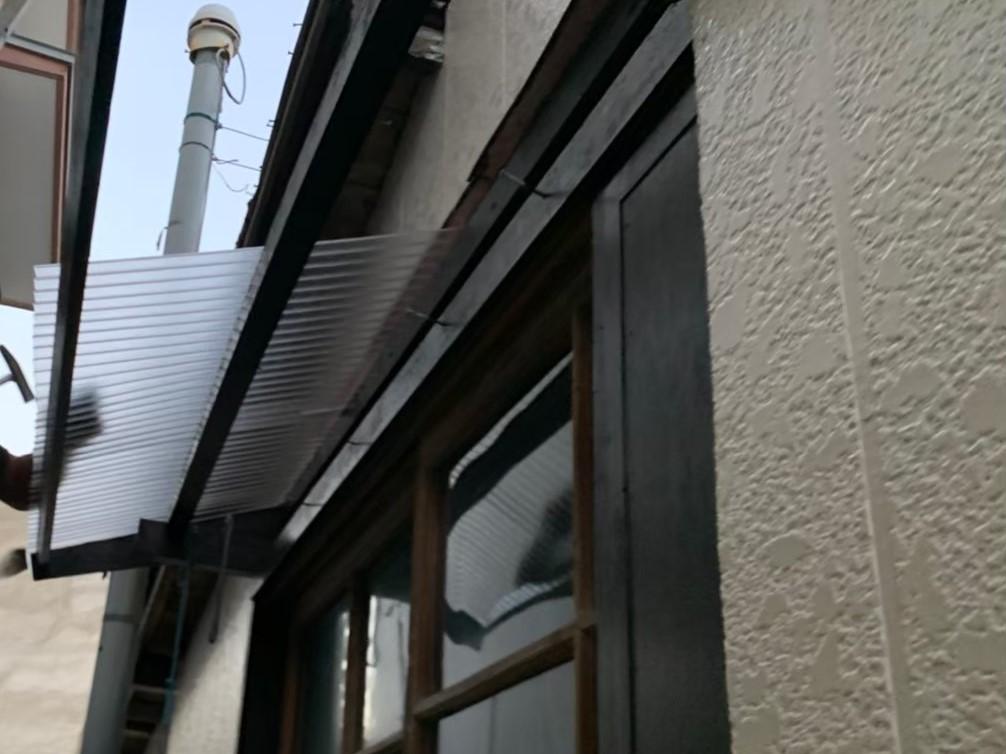 市川市 ベランダ屋根設置&付帯部塗装