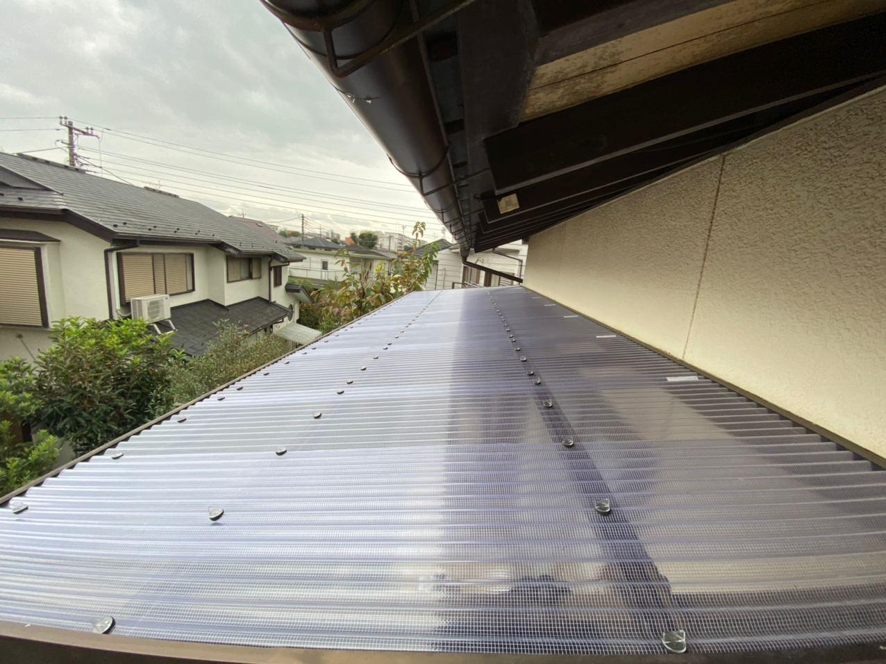 東京都福生市にて雨樋波板交換及び破風塗装