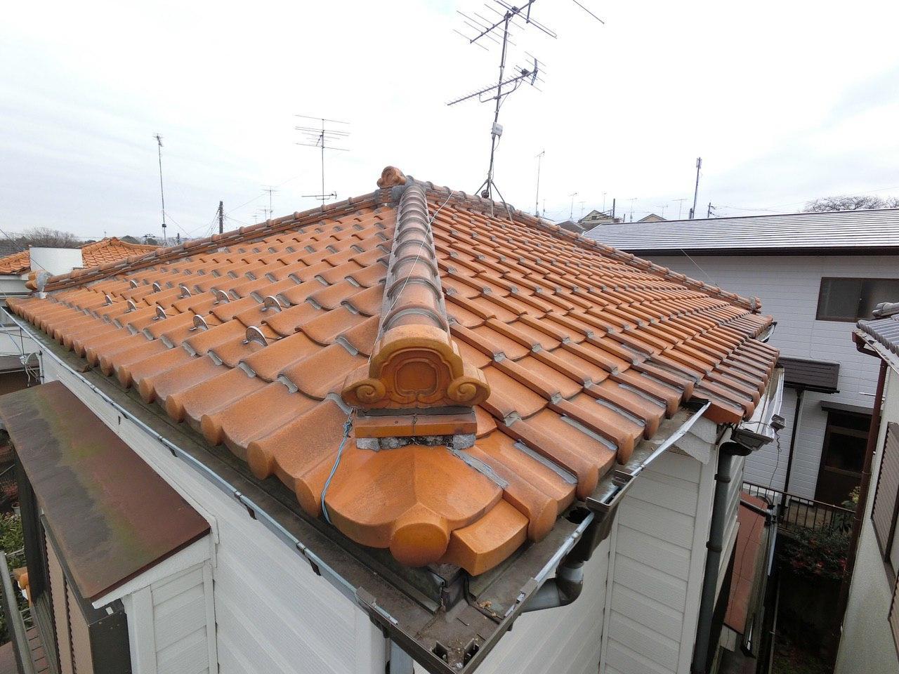 豊島区にて雨樋と漆喰の屋根修理工事