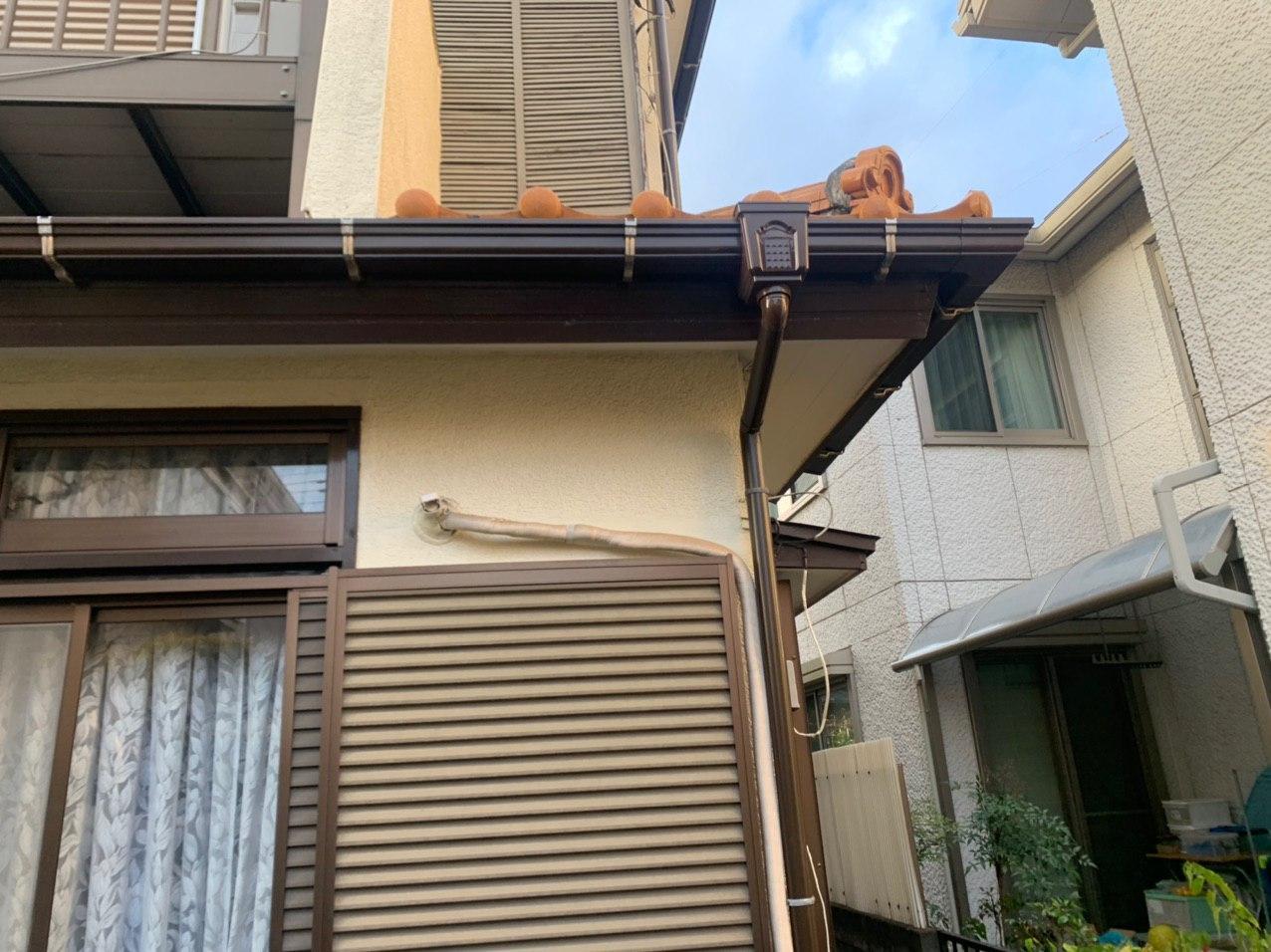 東京都北区にて雨樋交換及び各所塗装工事