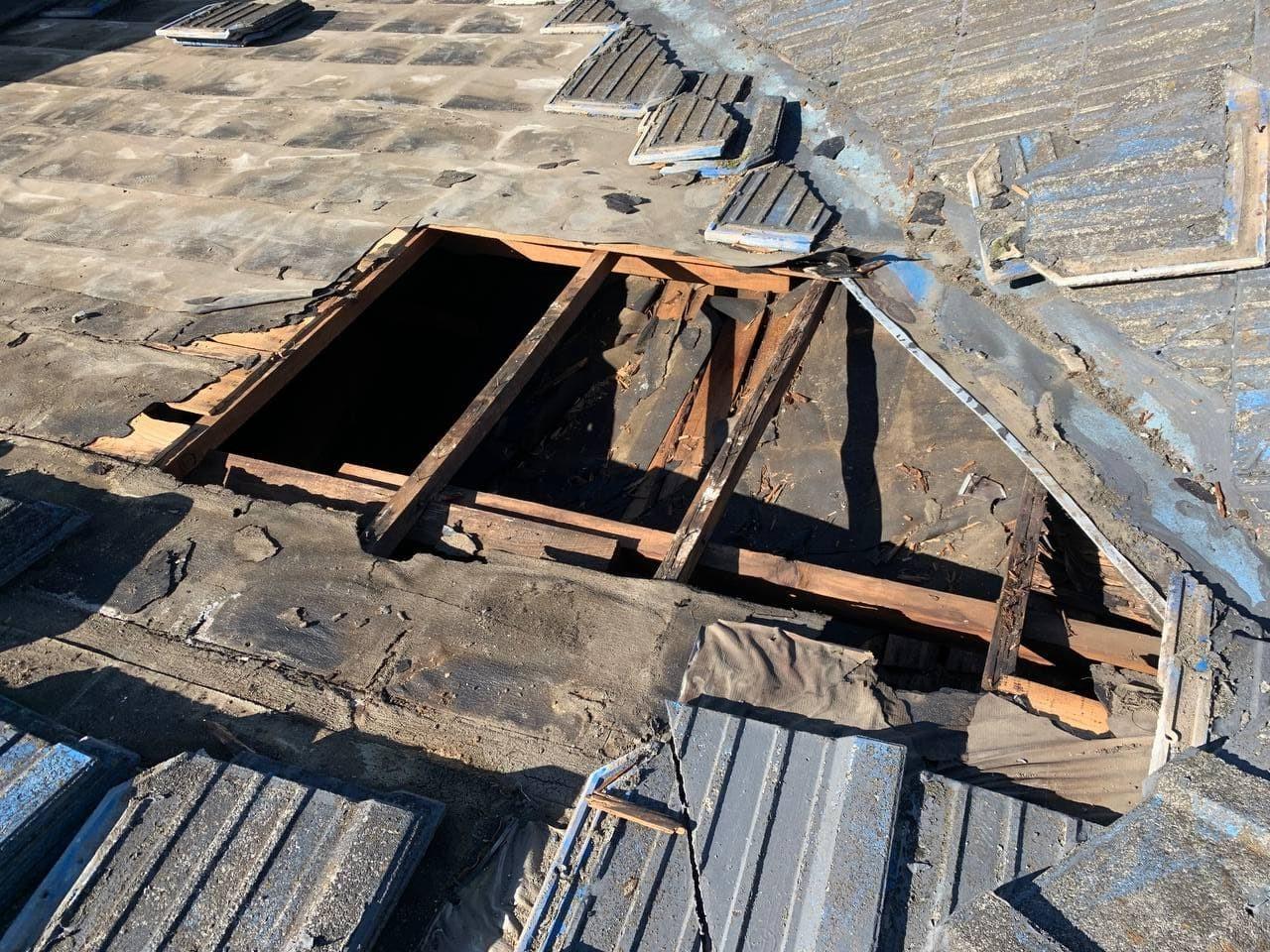 八王子市にて雨漏れ補修 屋根葺き直し工事