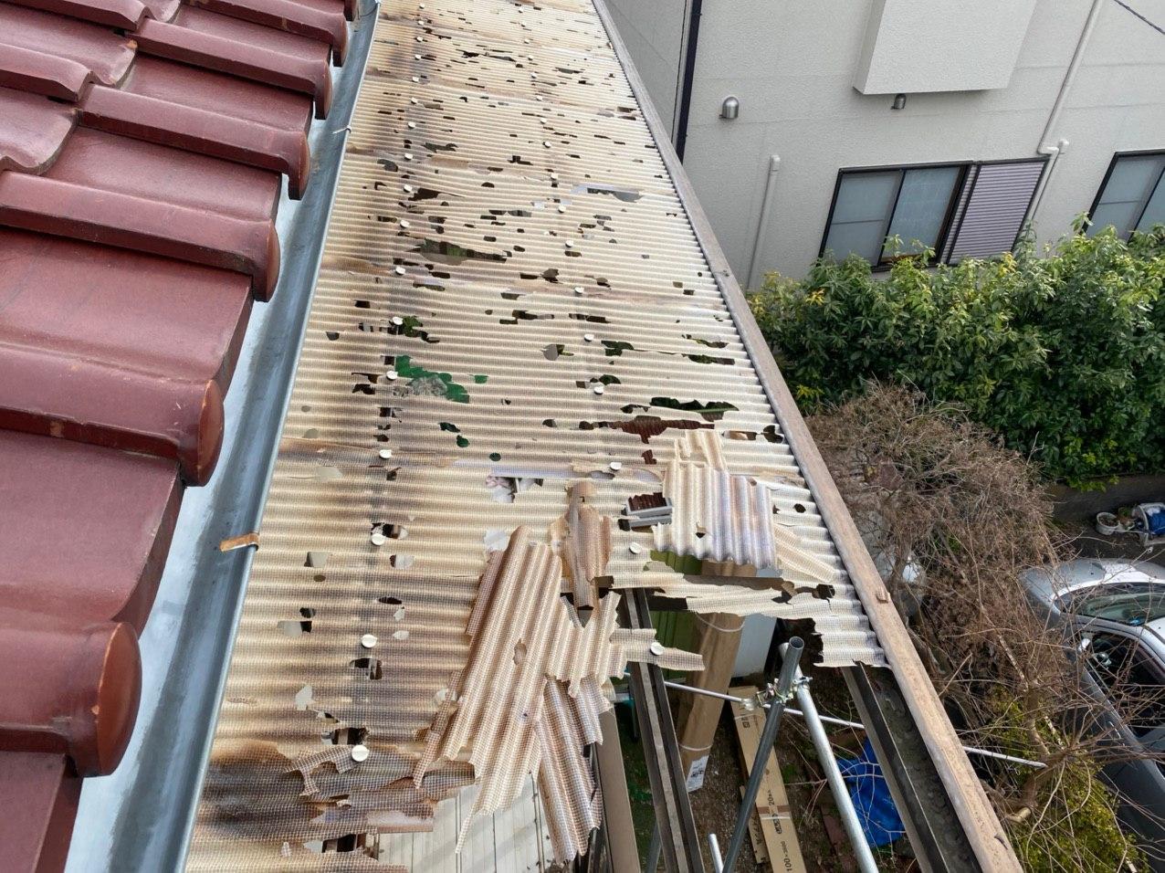 入間市にてベランダ屋根及び雨樋交換工事