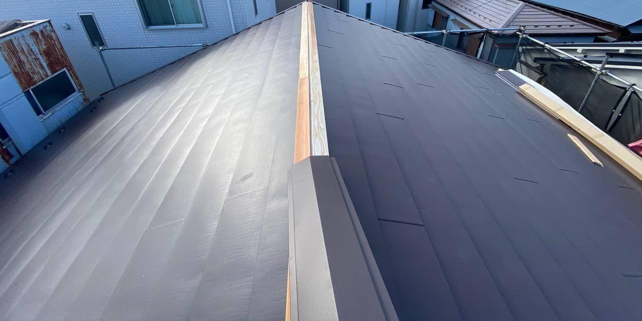 文京区にて屋根重ね葺き及び外壁塗装工事
