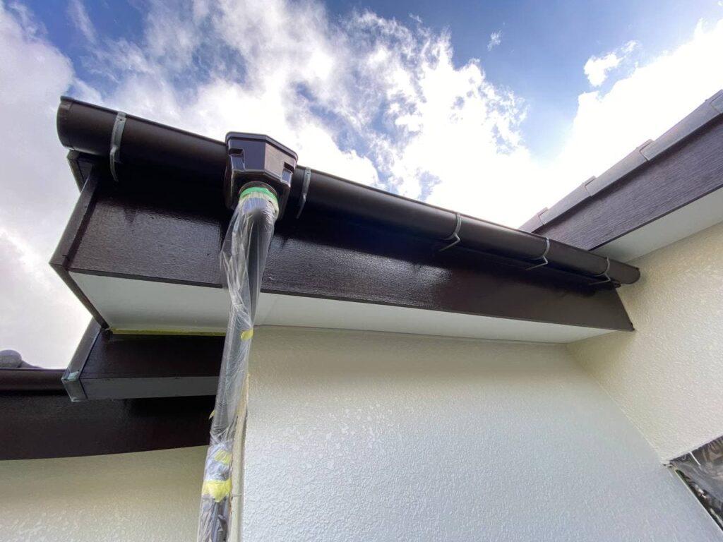 横須賀市で屋根葺き直し雨樋交換と外壁塗装