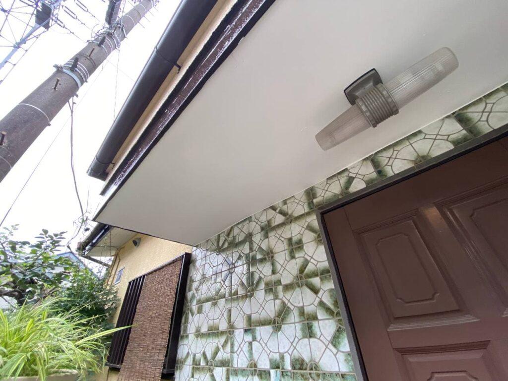 神奈川県座間市で屋根塗装と玄関庇葺き替え